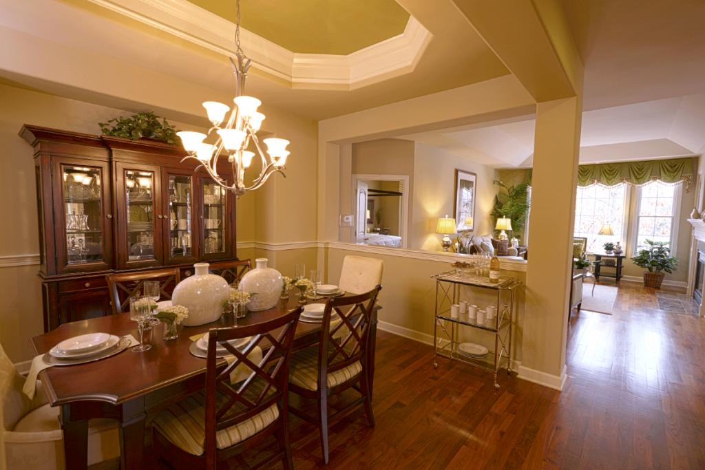 woodglen-dining-room