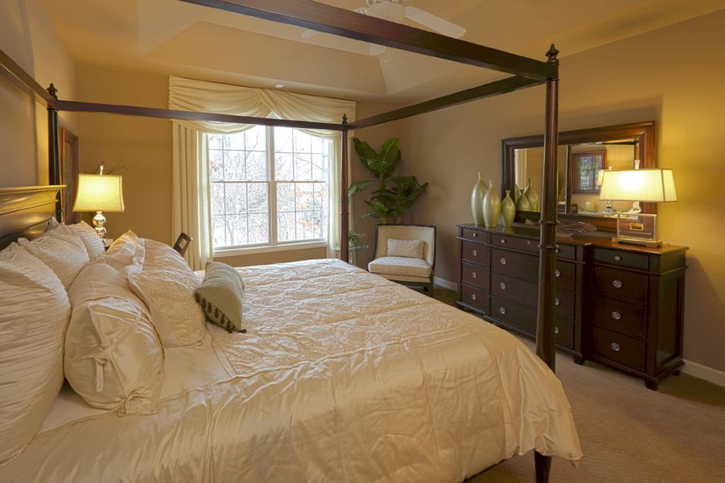 woodglen-master-bedroom1